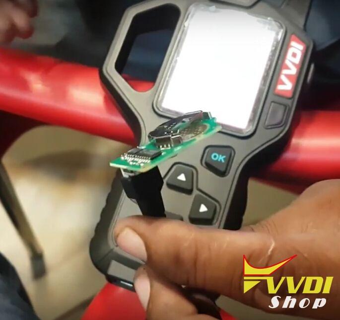 vvdi-key-tool-copy-mahindra-scorpio-remote-key-review-4
