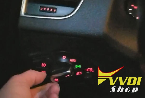 vvdi2-2012-audi-q5-all-key-lost-3