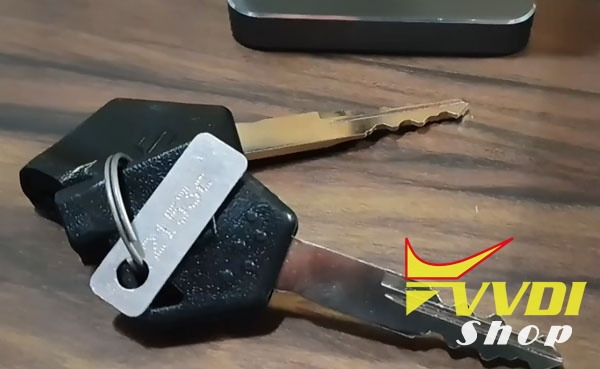 condor-dolphin-cut-suzuki-bike-key-1