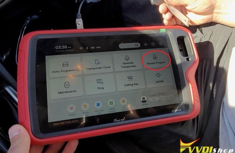 Vvdi Key Tool Plus Pad Program Toyota Corolla 2018 Remote Key Clone (2)