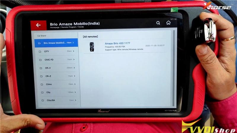 VVDI Key Tool Plus Pad Program Honda Brio ID46 Key Remote (4)
