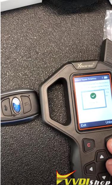 VVDI Key Tool Unlocks Subaru Smart Key HYQ14AHC 3