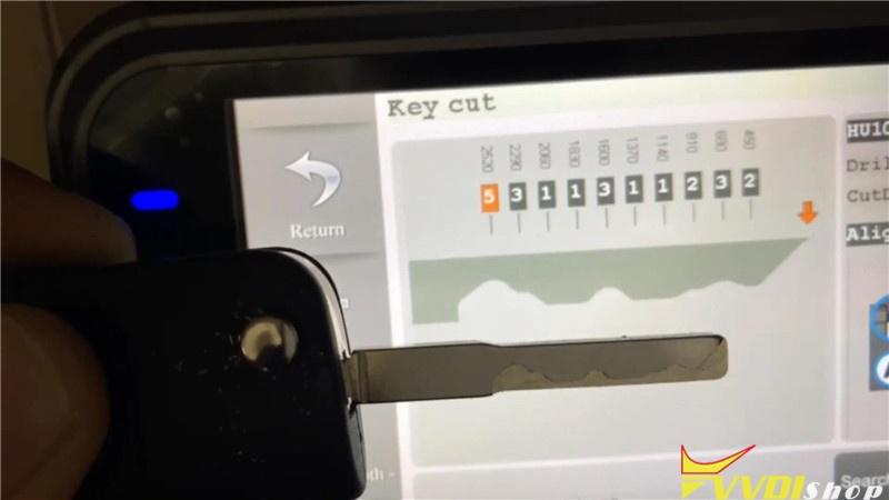Ford Focus 2011 Key Cutting Via Condor Xc Mini Plus (12)