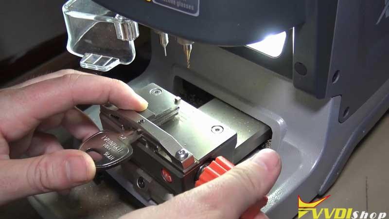 Xhorse Dolphin Xp005 Cut A Hy16 Key For 2007 Hyundai Accent (6)
