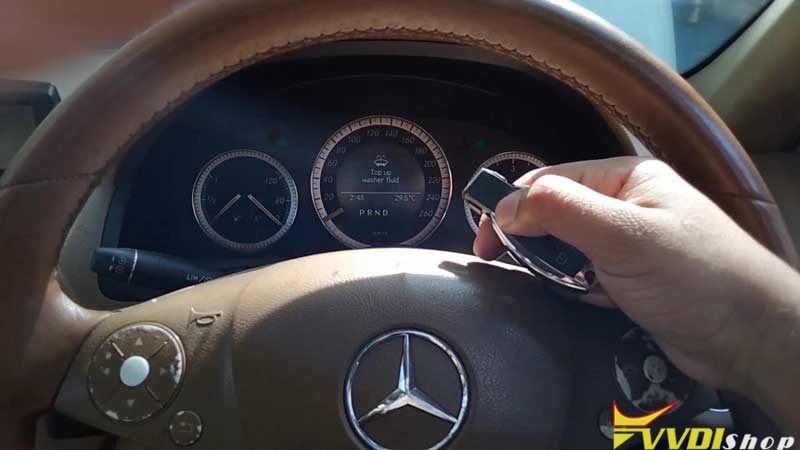 Xhorse Vvdi Key Tool Plus Adds Benz C250 2007 W204 Key By Obd (18)