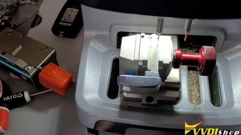 Xhorse Dolphin Xp005 Cut A Hon66 Laser Key (3)
