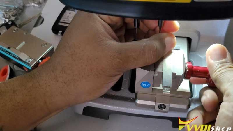 Xhorse Dolphin Xp005 Cut A Hon66 Laser Key (4)