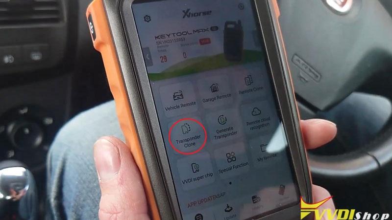 Xhorse Vvdi Key Tool Max Clone 2014 Fiat Doblo Key In 4 Mins (1)