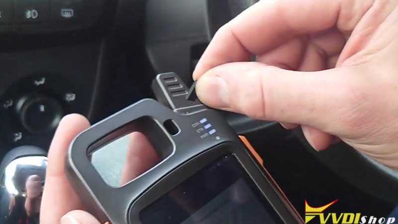 Xhorse Vvdi Key Tool Max Clone 2014 Fiat Doblo Key In 4 Mins (8)