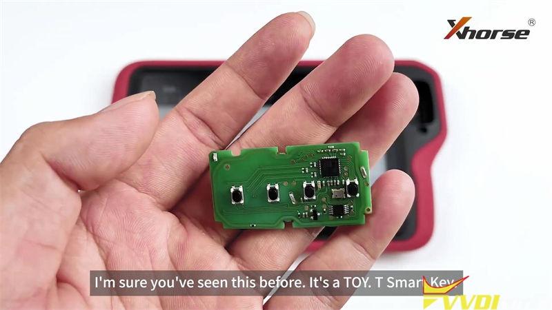 Xhorse Vvdi Key Tool Plus Customize Toyota 4d 8a Smart Key (1)